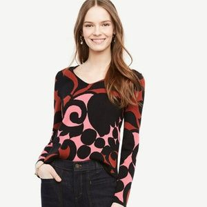 Ann Taylor M red black Tulip V Neck Sweater